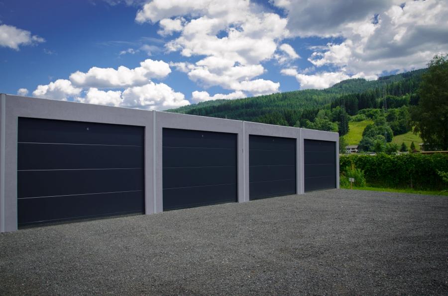 NR Garagentore   Garagentore, Industrietore , Rollotore, Flügeltüren